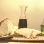 Pane, vino, olio sono alla base dell'alimentazione mediterranea